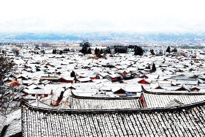 Lệ Giang mùa đông - tuyết trắng trên những mái ngói rêu phong