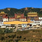 Toàn cảnh tu viện Songzalin shangri-lar
